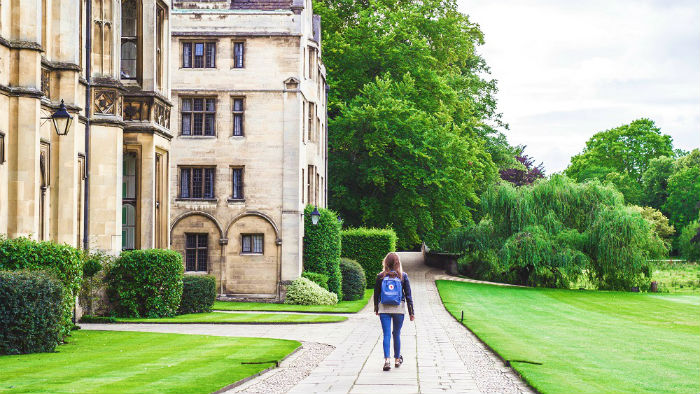 A Story of a Christian's Experience the Temptations in Her Atheistic College