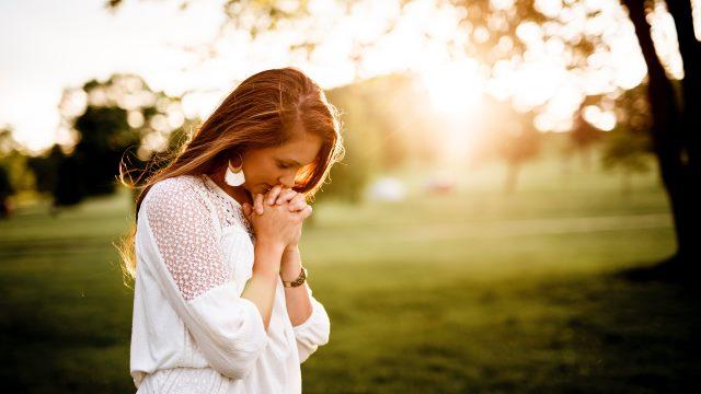 a woman prayer