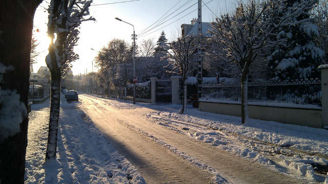 sunshine frozen street