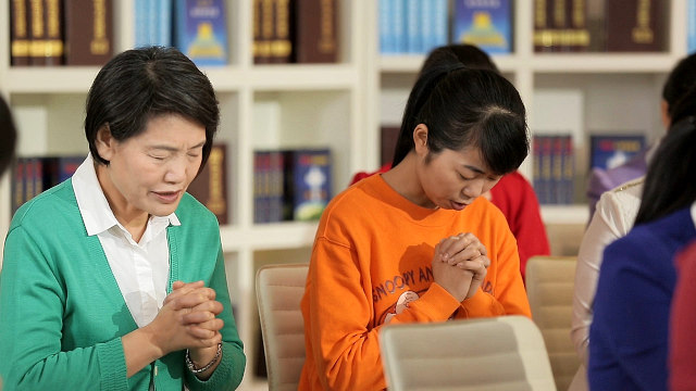 Christian gathering prayer
